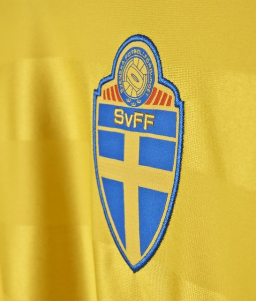adidas スウェーデン 2016ホーム ユニフォーム Yellow